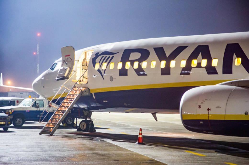 Ryanair Rubbellose