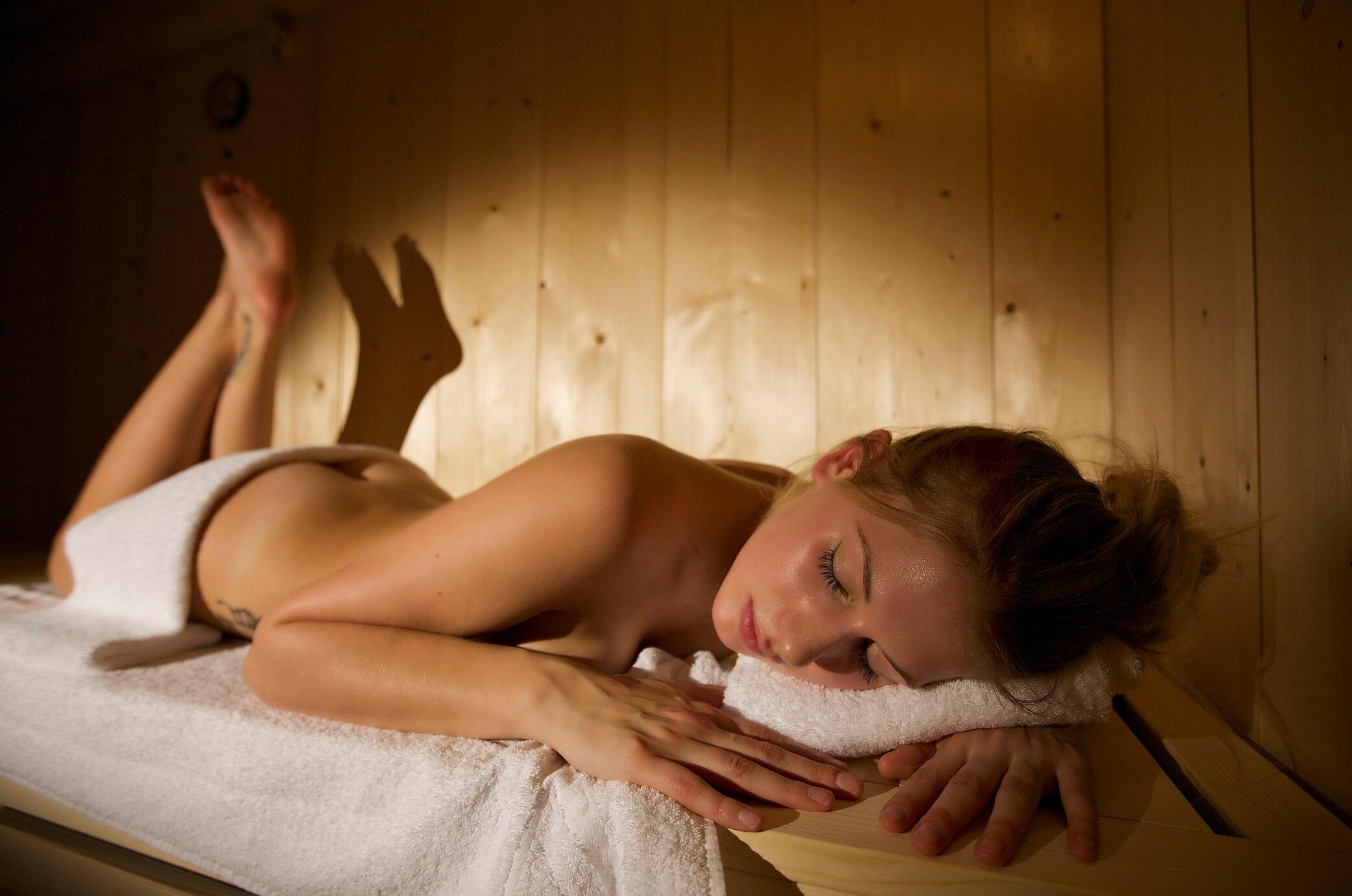 finnische frauen nackt