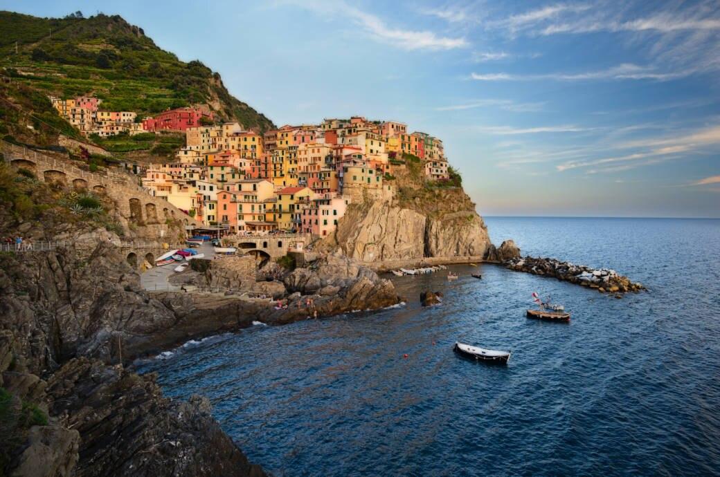 Im Nationalpark Cinque Terre in Italien sollen Flip-Flops verboten werden
