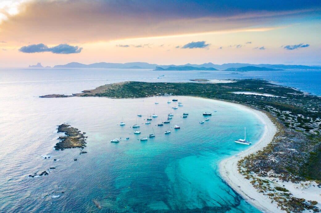 Die Baleareninseln klagen über enormen Autoverkehr in den Sommermonaten. Die Insel Formentera greift nun durch.