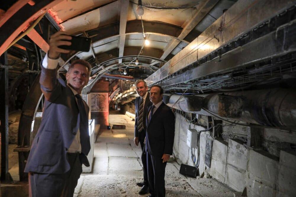 Heute Selfies, früher Jesus: So sieht der Tunnel von innen aus