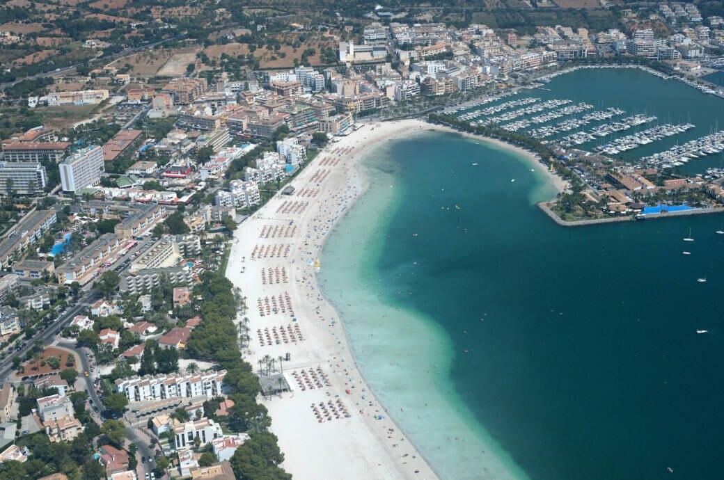 Die Wasserqualität in der Bucht von Alcúdia im Nordosten ist Umweltschützern zufolge nicht zufriedenstellend