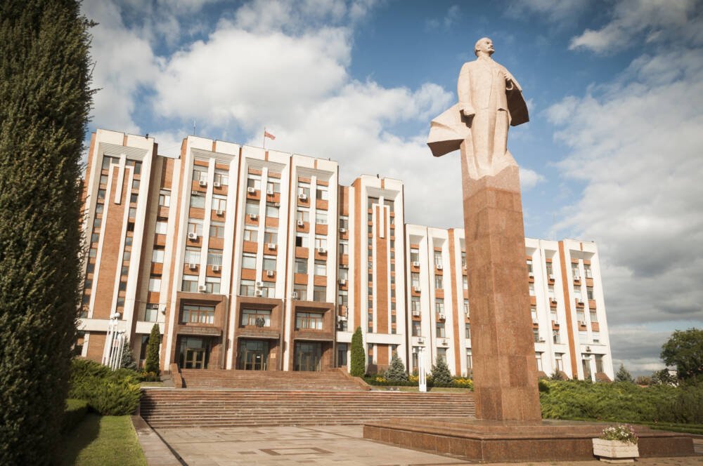 Gigantische Lenin-Statuen, wie hier in der Hauptstadt Tiraspol, sind in Transnistrien keine Seltenheit