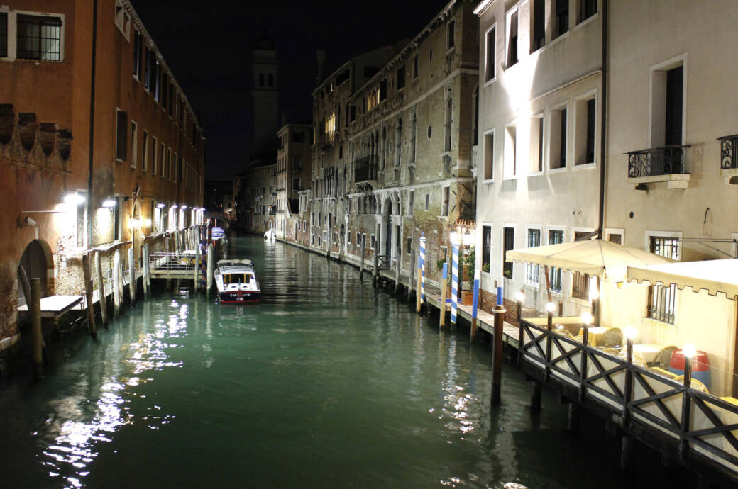 Weil sie in Venedig nackt badeten – Touristen müssen 3000 Euro Strafe zahlen