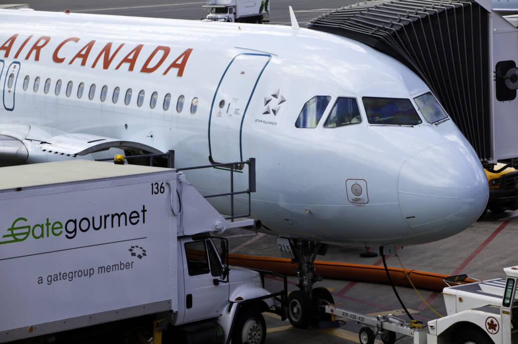 Air Canada setzt jetzt auf geschlechtsneutrale Begrüßung