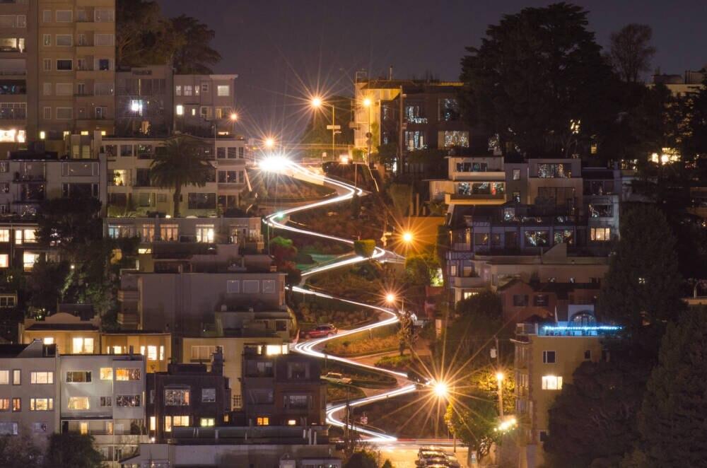 Die Lombard Street bei Nacht