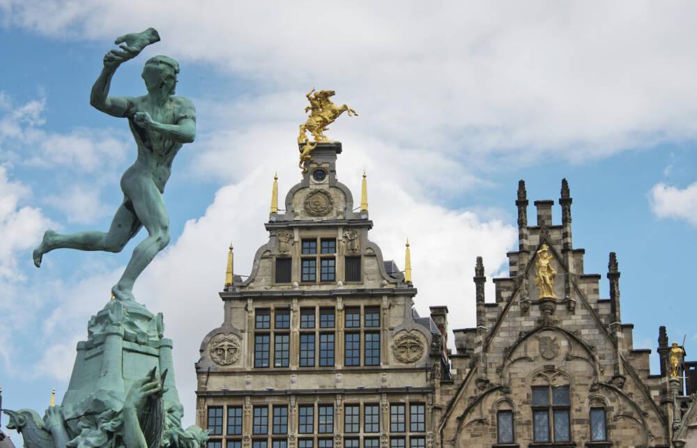 Der Brabo-Brunnen in Antwerpen