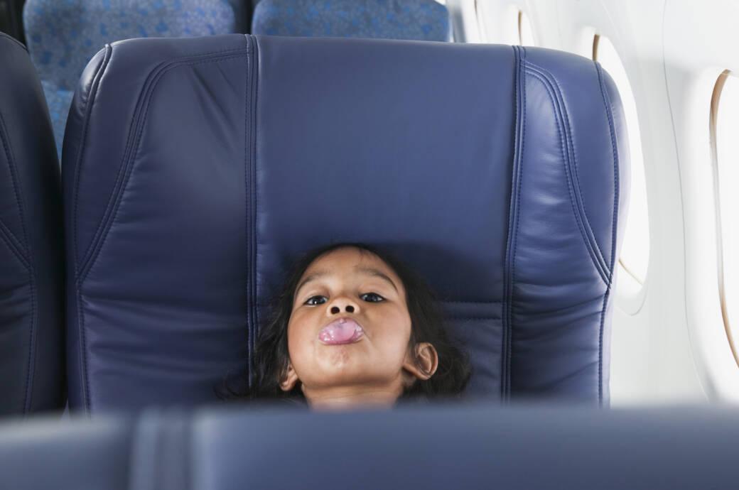 Kinder Flugzeug