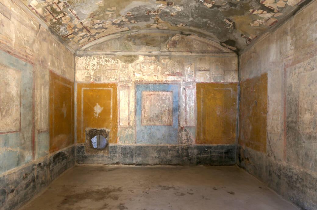 """Einer der Räume im jetzt wieder zugänglichen """"Haus der Liebenden"""" in Pompeji"""