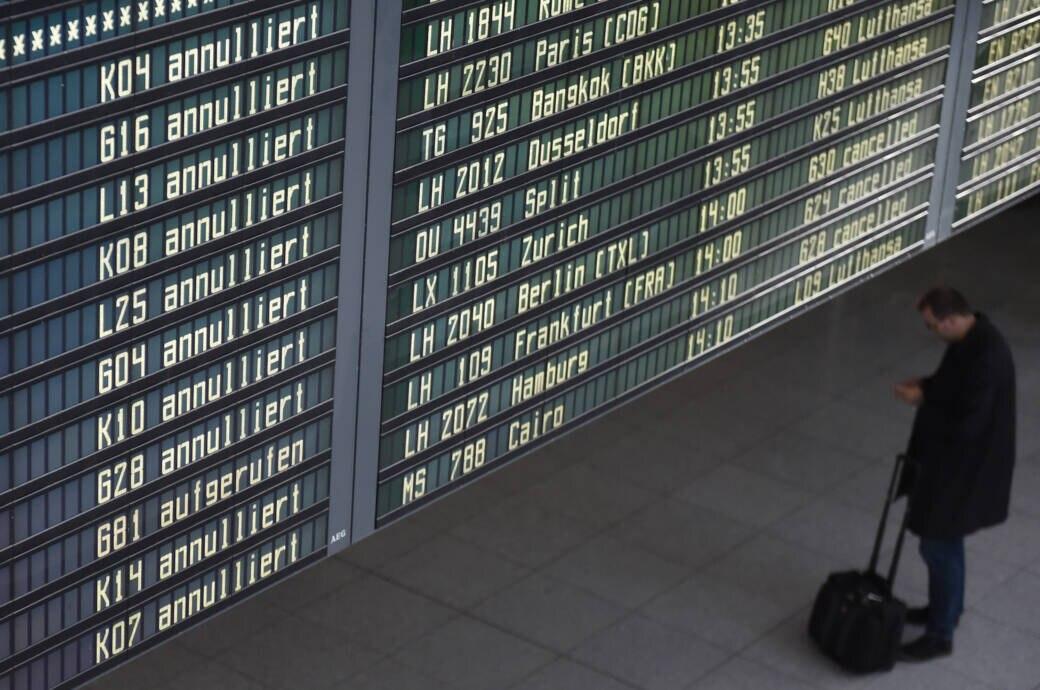 Stornierte Flüge: Airlines Rückerstattung