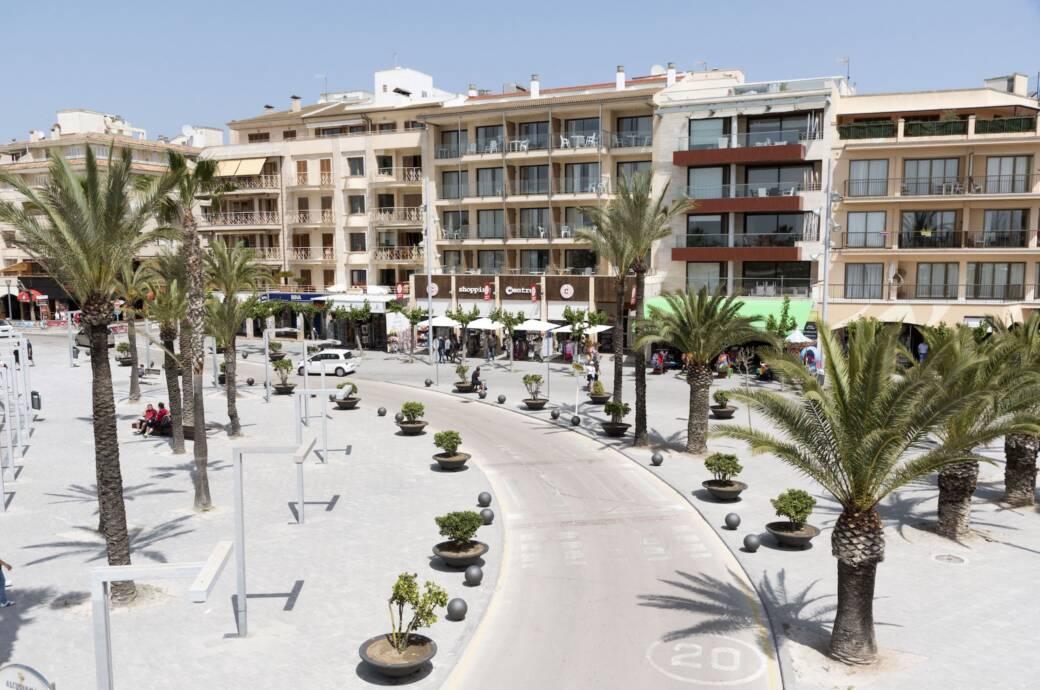Blick auf Hotels in Alcudia auf Mallorca