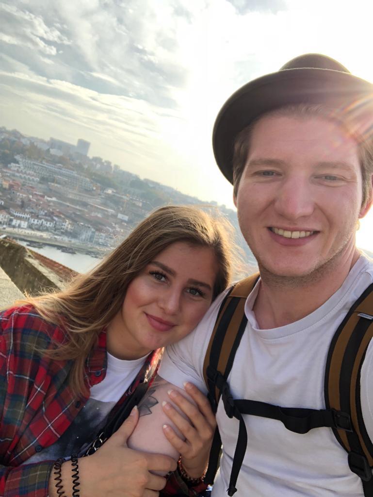 Sarah und ihr Freund Roland wollten eigentlich eine Weltreise machen