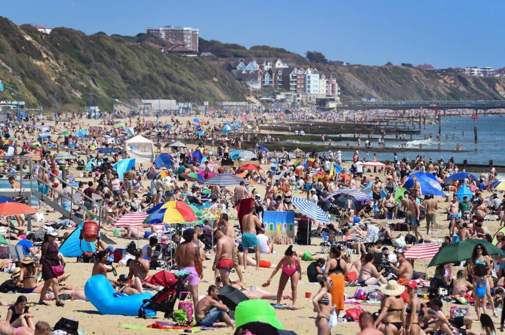 So überfüllt waren gestern die Strände in England!