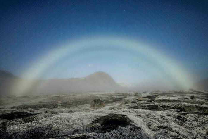 Mond-Nebelbogen