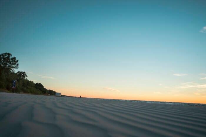 Der Strand von Jurmala in der Dämmerung