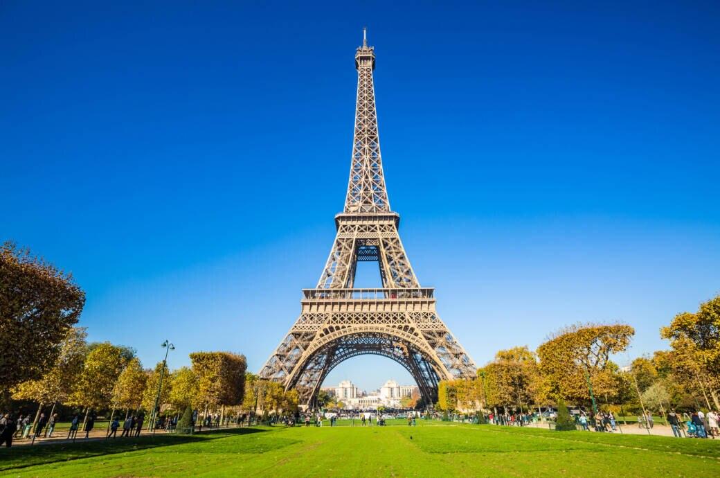 Der Eiffelturm hat wieder geöffnet
