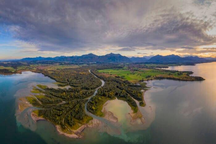 Mündung der Tiroler Achen in den Chiemsee, Bayern