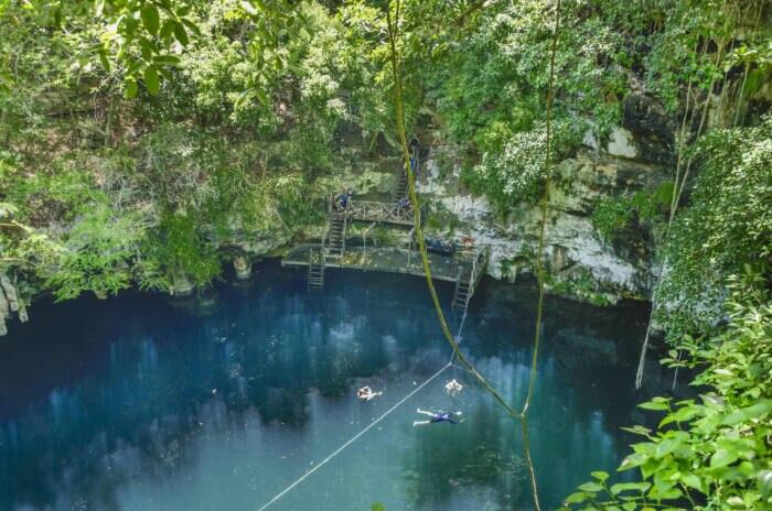 Cenote Yokdzonot, Yucatan,