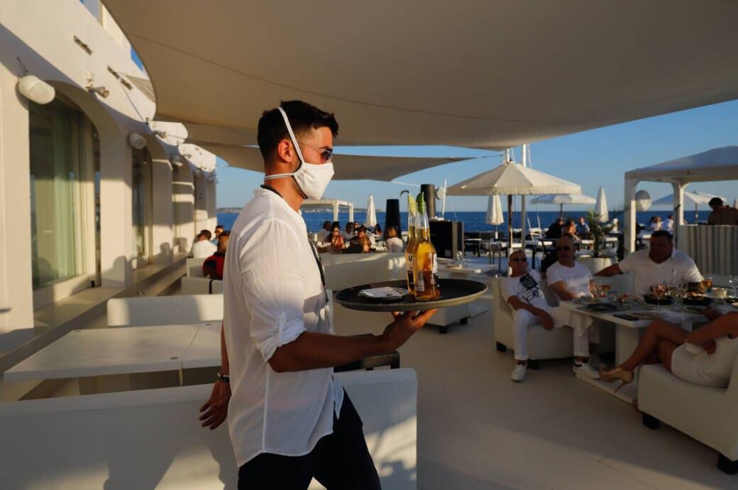 Ballermann-Party ohne Masken und Abstand schockiert Mallorca