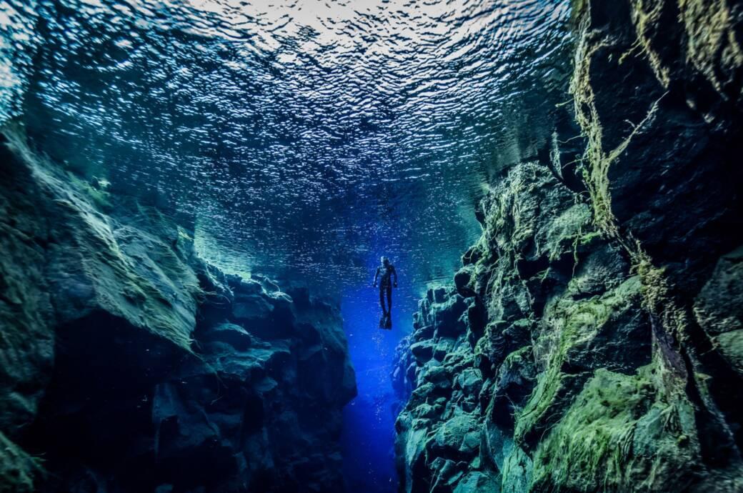 Ein Tauchgang in der Silfra-Spalte auf Island ist ein magisches Erlebnis