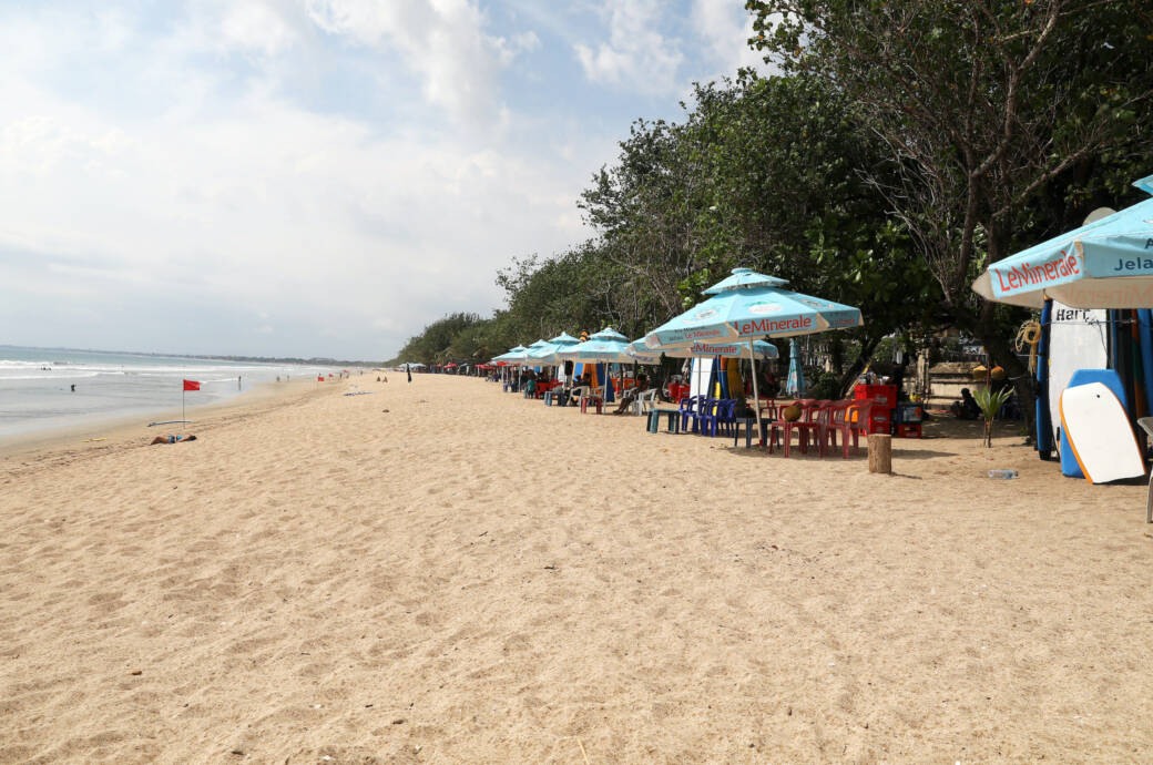 Leerer Strand Bali