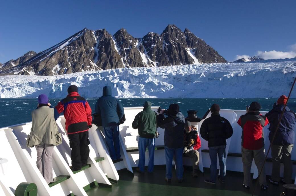 Kreuzfahrtschiffe dürfen bis zum 1. November nicht mehr Spitzbergen anfahren