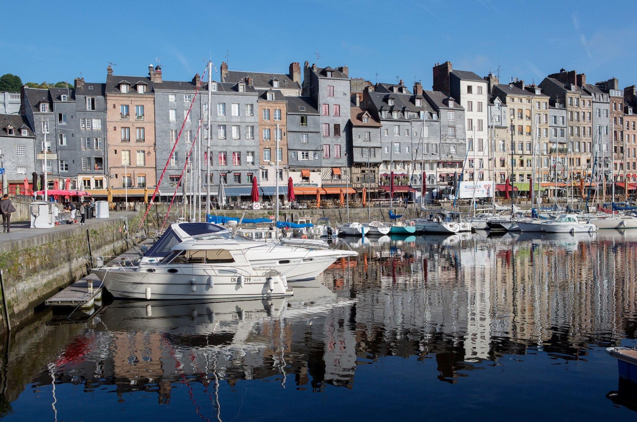 Honfleur In Der Normandie Sehenswurdigkeiten Und Reisetipps Travelbook
