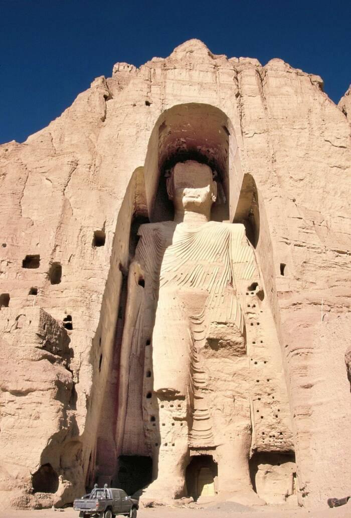 größere der beiden Buddha-Statuen im Bamiyan-Tal in Afghanistan