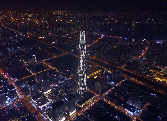 Das Tianjin CTF Finance Centre ist aktuell noch das höchste Gebäude in Tianjin – zumindest so lange, bis das Hochhaus Goldin Finance 117 fertiggestellt wird