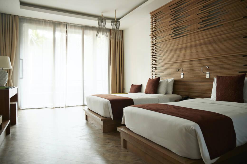 Hotelzimmer Bettschal