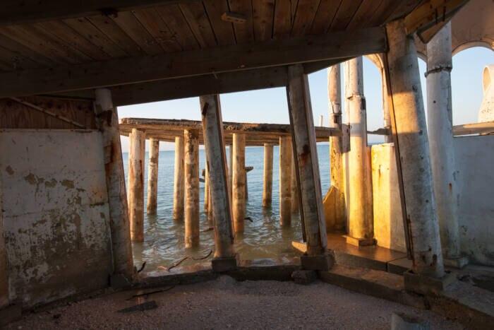 Das ehemalige Urlaubsdomizil am Cape Romano versinkt nun im Golf von Mexiko
