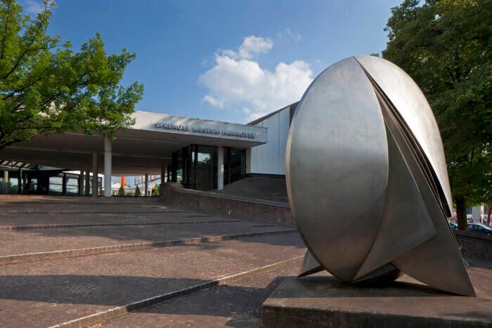 Kunst, Kultur und Bildung: das Sprengel-Museum
