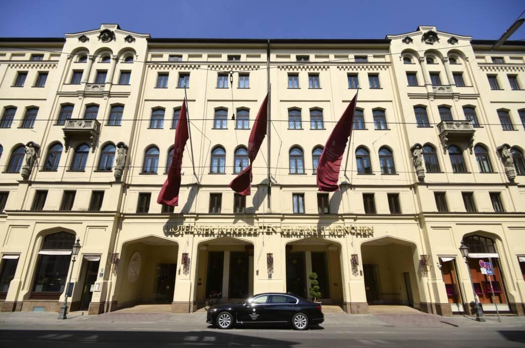 Hotels in Deutschland, wie das Hotel Vier Jahreszeiten, dürfen im November wegen Corona keine Urlauber aufnehmen