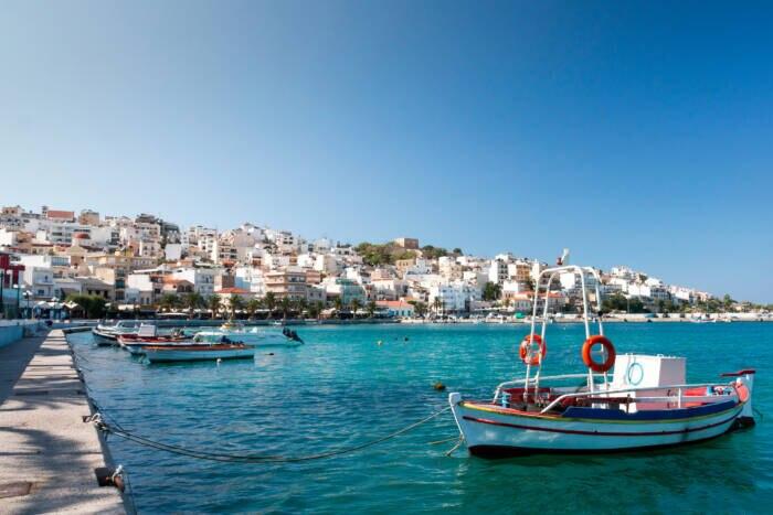 Kreta hat viele schöne Ecken, etwa den Hafen von Sitia