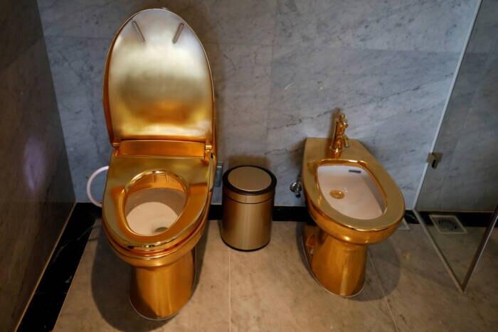 Im Dolce Hanoi Golden Lake verrichtet man sein Geschäft selbstverständlich auf goldenen Toiletten