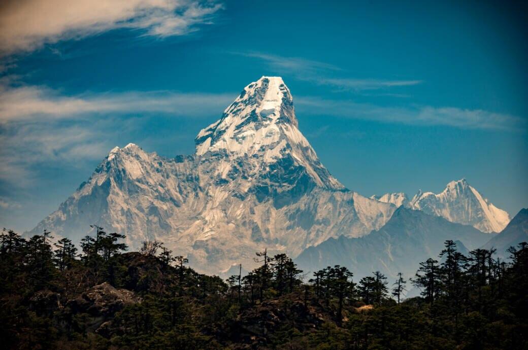 Der Berg Ama Dablam im Himalaya