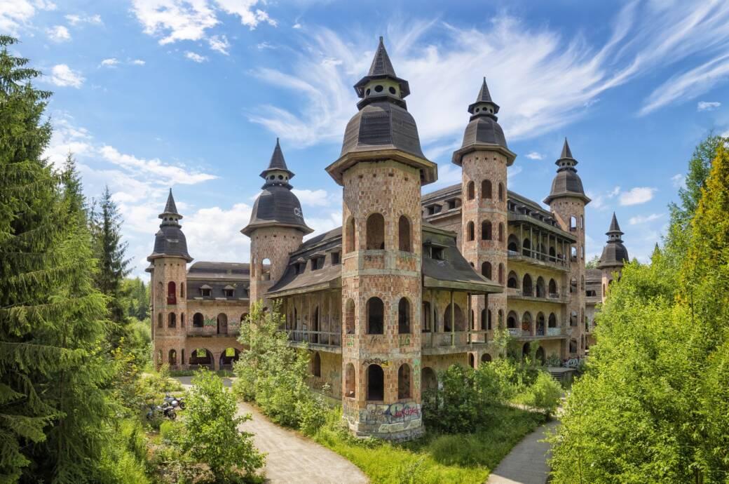 Das Schloss Łapalice in Polen