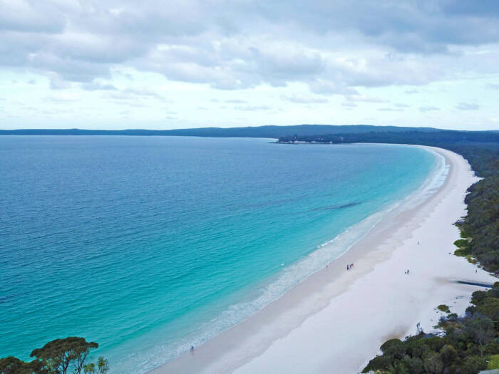 Der Sand des Hyams Beach im Südosten Australiens ist so hell, dass er es sogar ins Guinnessbuch der Rekord schaffte