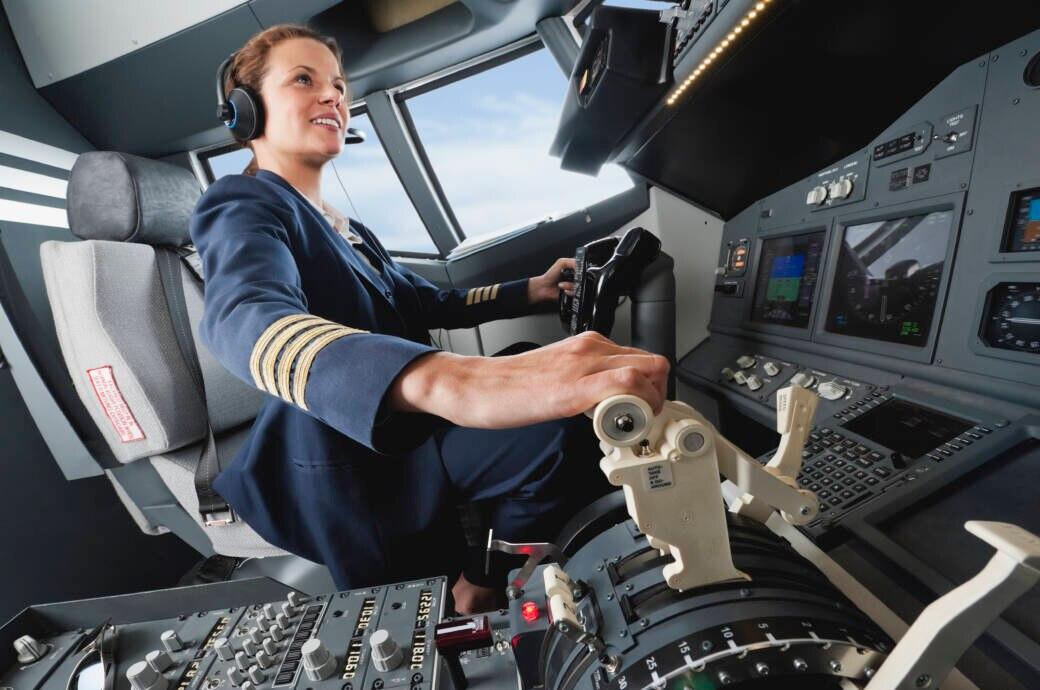 Experten: Das bedeuten die Streifen auf der Uniform von Piloten