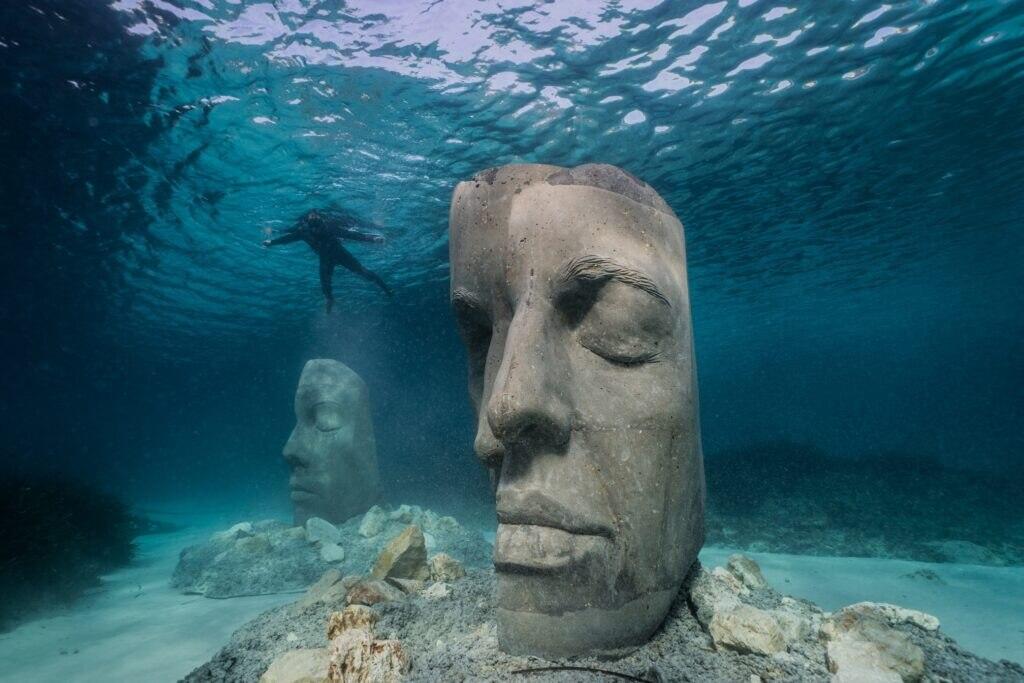 Unterwasser-Museum in Cannes zeigt Skulpturen - TRAVELBOOK